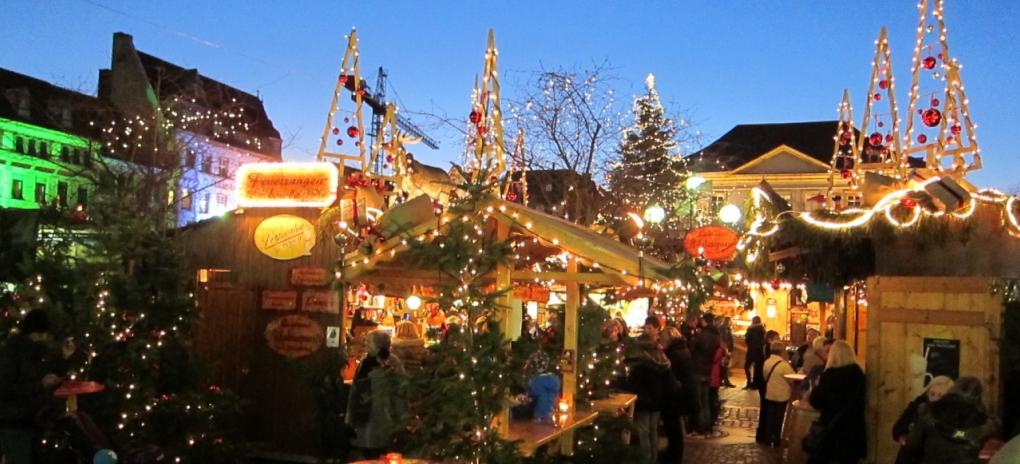Frohe Weihnachten und einen guten Rutsch | Bezirk Freiburg