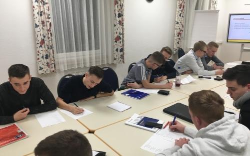 2020-02-07 PVK Lehrgang Saig Gruppenarbeit